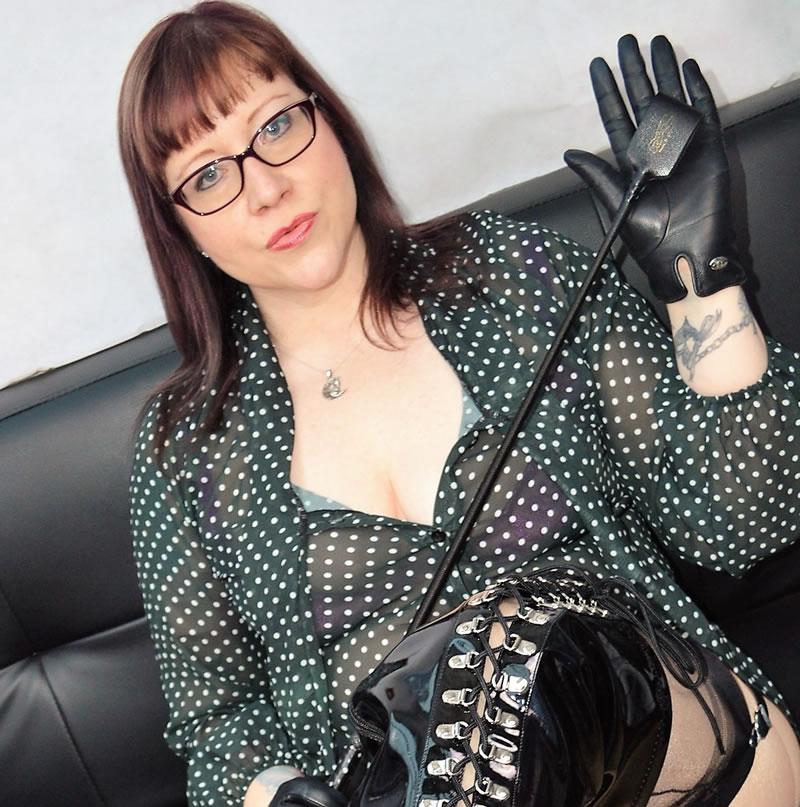 sissy maid spank Aunt